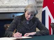 """Brexit, firma lettera avvia l'iter: momento storico"""""""