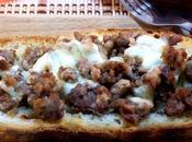 Crostini salsiccia piccante mozzarella bufala