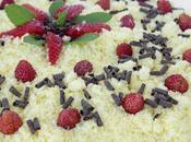 Torta mimosa crema tiramisu, croccante alle mandorle fragoline bosco