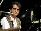 Follia Iran: Insegnante esiliato aver cantato canzone popolare classe