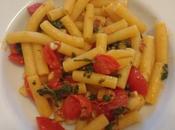 Pasta foglie rapanelli pomodori