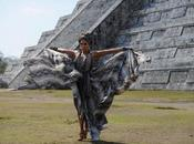 "video ""I'm into you"": manda previsioni maya"