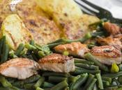 Salmone scottato pepe rosa patate arrosto panna acida