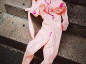 Bambola gonfiabile. Piazzale Susa, Milano Oggetti abbandonati