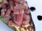 Avocado grigliato ripieno tartare tonno
