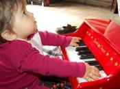 talento musicale della pupa mamma (come incoraggiare figlia quando accorgi bimba-prodigio)