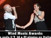 Wind Music Awards: premiati molti concorrenti talent show. Premio Maria Filippi, fischi Gigi D'Alessio slogatura Vanessa Incontrada