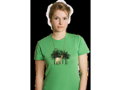 cute t-shirt with necklace