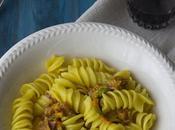 Pasta pancetta, zafferano, fiori zucca caciocavallo