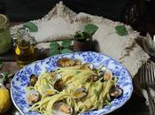 linguine pesto zucchine chiare vongole