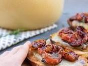 Crostini pecorino grigliato, pomodorini confit riduzione balsamico