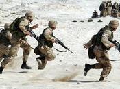 cosa serve torcia tattica militare?