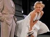 Abito Marilyn venduto: gonna gonfia nelle grinfie sconosciuto