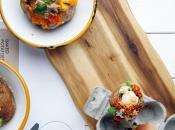 baked potato CONTROSTREAM: SALMONE, CREME FRAICHE ALLO ZENZERO, ANETO ANACARDI