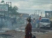Nigeria Cemento petrolio serpente morde coda