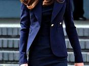 Catherine Middleton all'aeroporto Londra borsa Mulberry