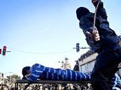 Dramma Iran: manifestanti condannati ricevere pubbliche frustate!