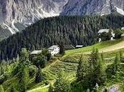Longiarù villaggio degli alpinisti valle mulini