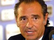 "Prandelli: ""...vorrei vedere Rossi Italia....""."