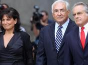 FOTO: Strauss Kahn libero dalle accuse negli States