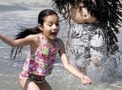 mostro marino avvistato spiaggia bagnanti fuga