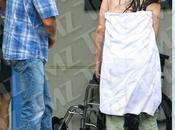 L'assistente Sean Penn rotta gomito casa dell'attore, mentre faceva doccia!