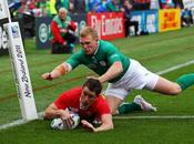 Galles spazza l'Irlanda