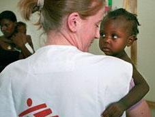 """""""Medici senza frontiere"""" denuncia l'invio aiuti alimentari scadenti Paesi sviluppo"""