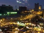 Cairo: cariche della polizia davanti consiglio ministri. Ucciso manifestante
