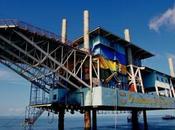 Viaggi Mondo Malesia Dormire dedicarsi alle immersioni piattaforma petrolifera
