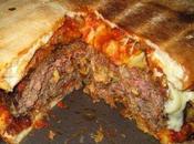 Burger King lancia Super Panino Pizza colpisce un'anziana passante