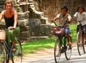 Pedalando sorrisi della cambogia