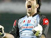 """Buffon, Juve: """"...non espulsine portieri fallo ultimo uomo....""""."""
