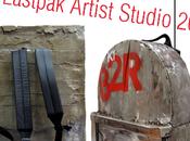 EASTPAK Artist Studio: iconici zaini trasformati scopo benefico