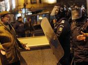 ROMANIA: Reportage dalla piazza, manganelli futuro (video testo)