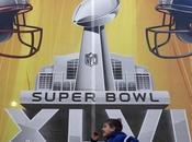 Super Bowl XLVI, Media Indianapolis: maglie gioco, allenamento strani copricapi