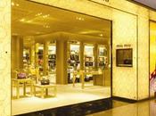 apre nuova boutique cuore Seul