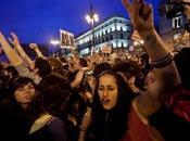 problema abbiamo Veltroni Venezuela Chavez, siamo soli, Spagna votano destra protestano contro manovra finanziaria. Grecia sono ancora peggio ribellano girano destra.