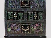 Cofanetto cosmetici legno laccato intarsi madreperla raffiguranti simboli longevità buon auspicio