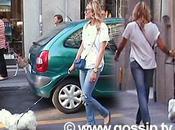 Elenoire Casalegno, shopping cane baby fidanzato Baronchelli.
