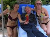 Stephen Hawking alle prese studio nuovo mistero, donna