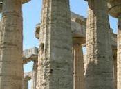 Frammenti della Magna Gregia. templi Paestum.