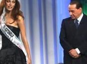 Francia operai rischio licenziamento mandano pannolini alla Carla Bruni. Italia disoccupati nostro Governo?