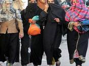 Pakistan, stuprata fidanzato getta acido viso