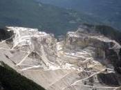 Massa Carrara: operai bisessuali bloccati...ehm...in cava