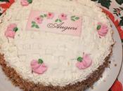 Torta compleanno farcita chantilly cioccolato bianco