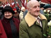 """LETTONIA: """"Waffen manifestano Riga"""