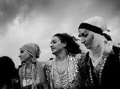 TURCHIA: Ankara vieta Nawrūz curdi, botte arresti. scappa morto